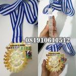 Medali akrilik custom
