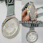 Pembuat medali silver